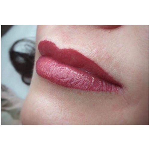 MelissaCarr tattooed lips 6